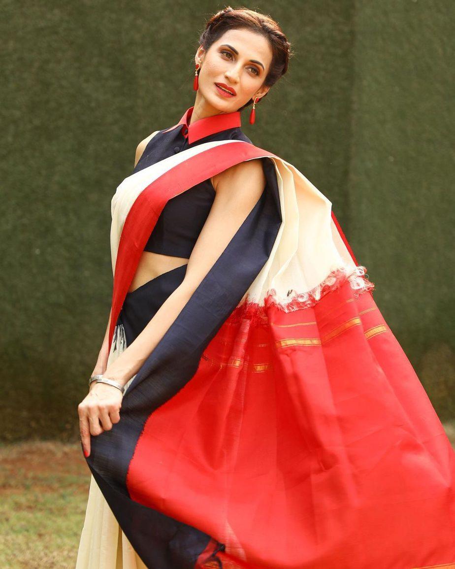 Shilpa Reddy in a cream Kankatala saree for q&a