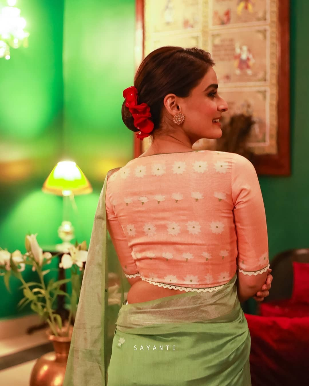 Silk jamdani bridal blouse-Sayanti Ghosh-1