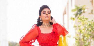 Sreemukhi in a red lehenga set by Rekha's Couture for zee mahotsavam-1