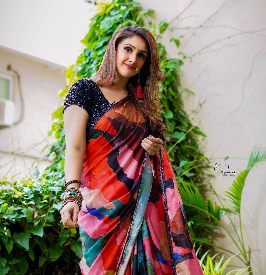Sridevi vijaykumar in a multi colour saree by Mugdha art studio for comedy stars-1