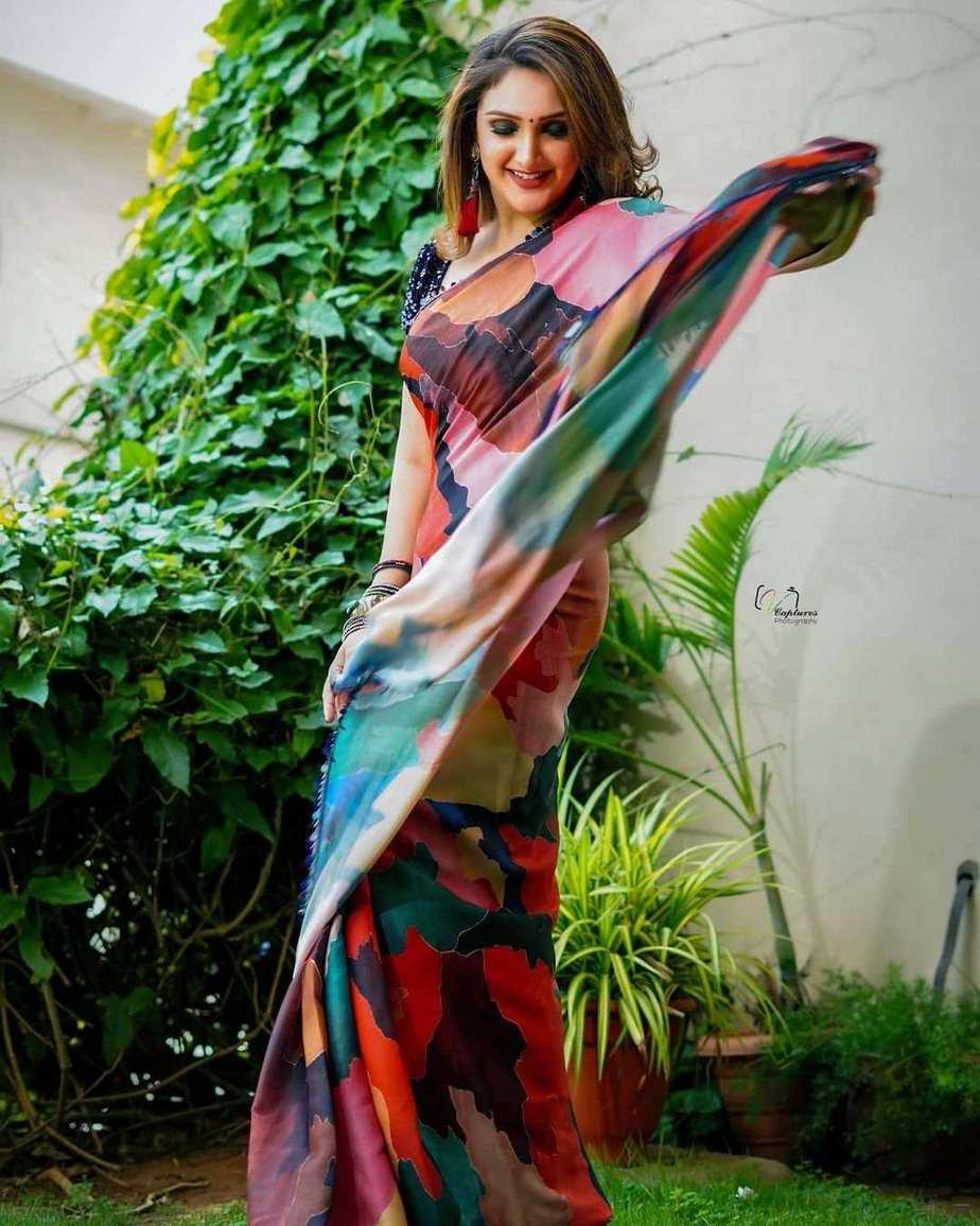 Sridevi vijaykumar in a multi colour saree by Mugdha art studio for comedy stars-3