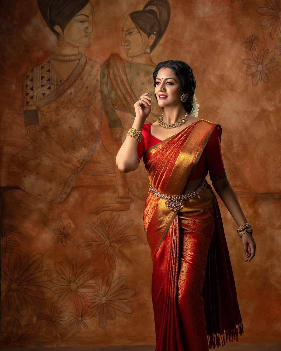 Vimala Raman in red kanchi saree by Anya Boutique-3
