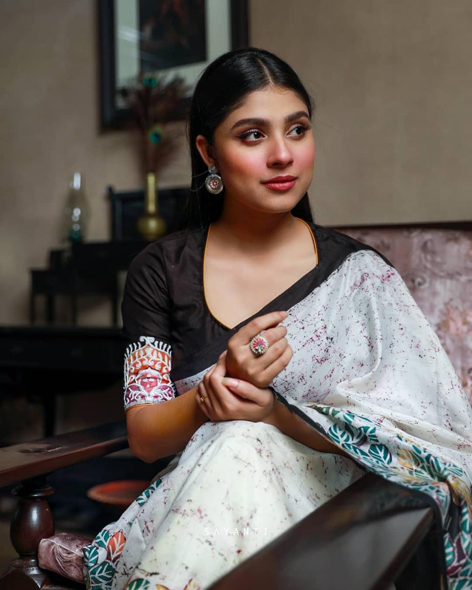 Wedding theme batik saree-sayanti Ghosh