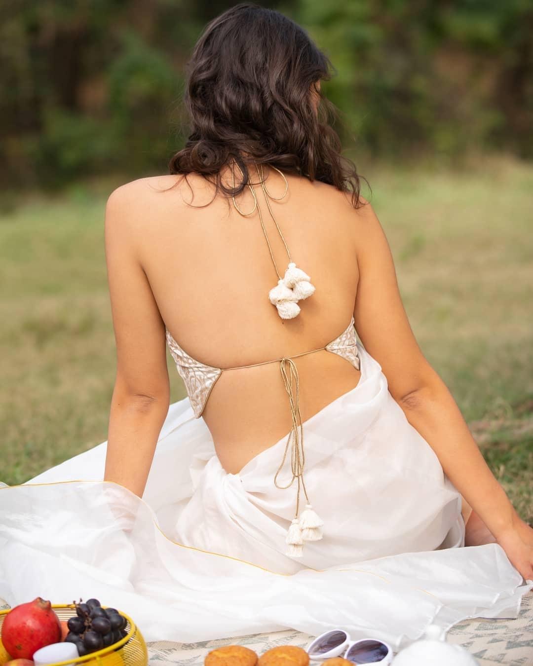 White brocade blouse-sayanti ghosh-1