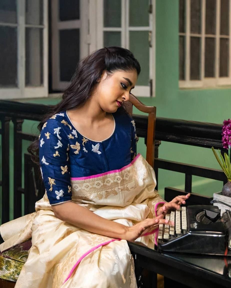 Zari embroidered blouse- sayanti ghosh1