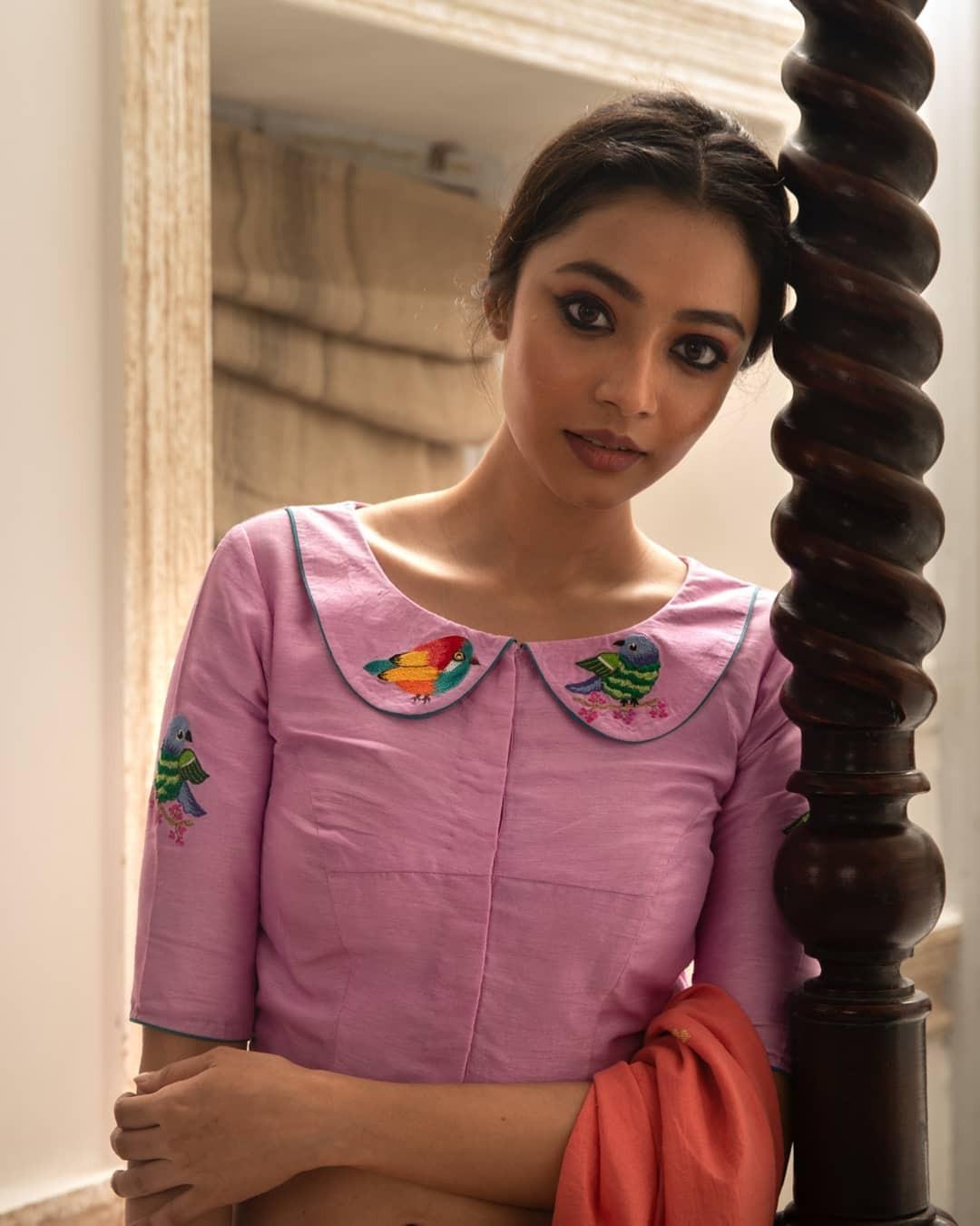 birds embroidery blouse-Sayanti ghosh-1