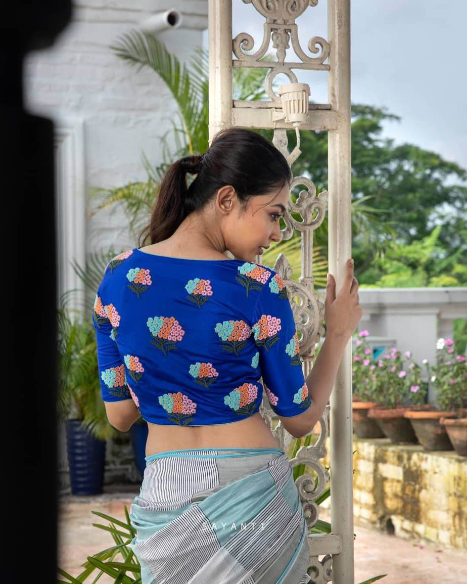 blue embroidered blouse-sayanti ghosh