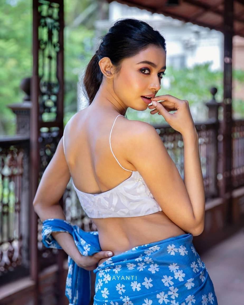blue shueli flower saree-Sayanti Ghosh-1