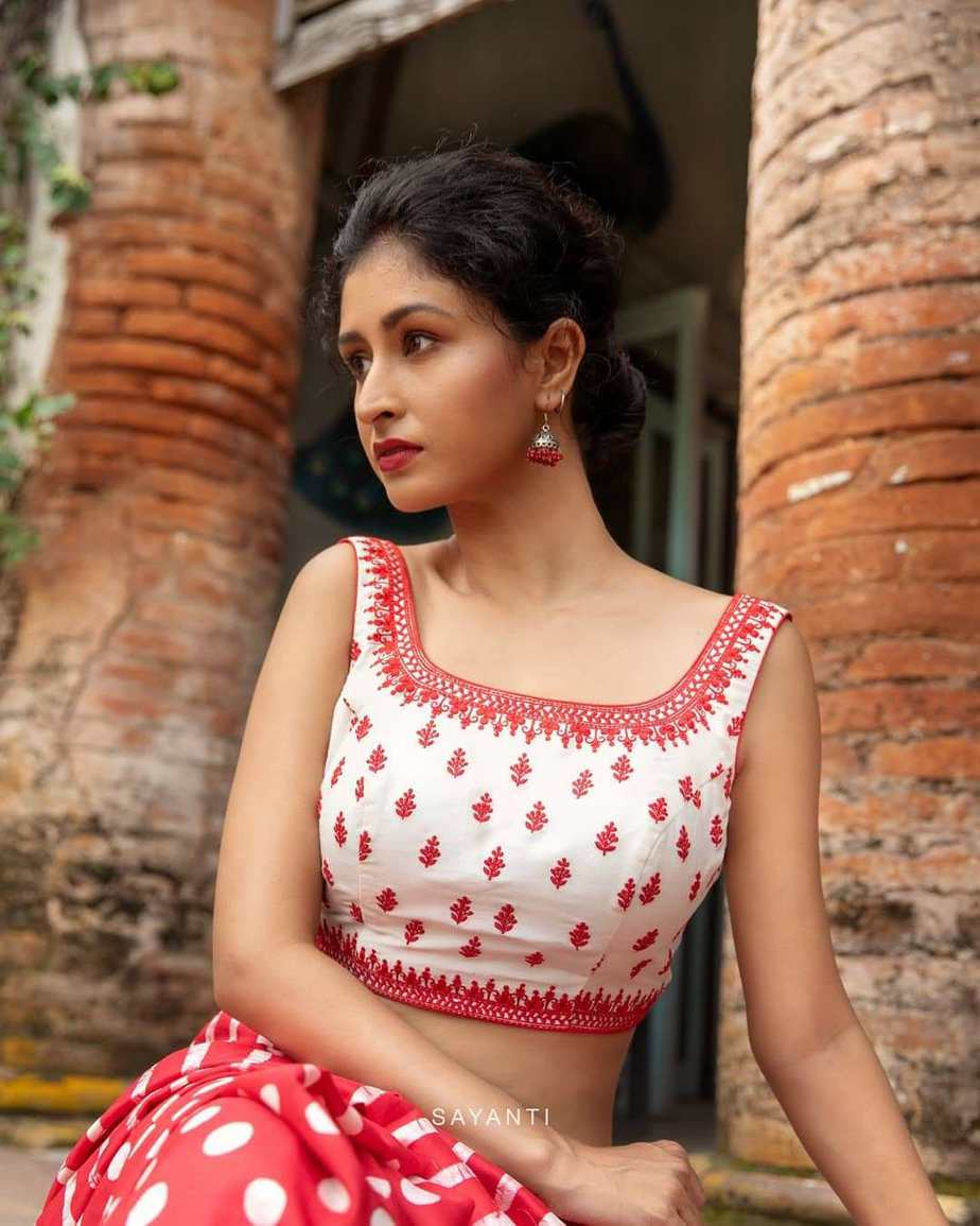 floral blouse with red polka and stripe saree-Sayanti ghosh-2