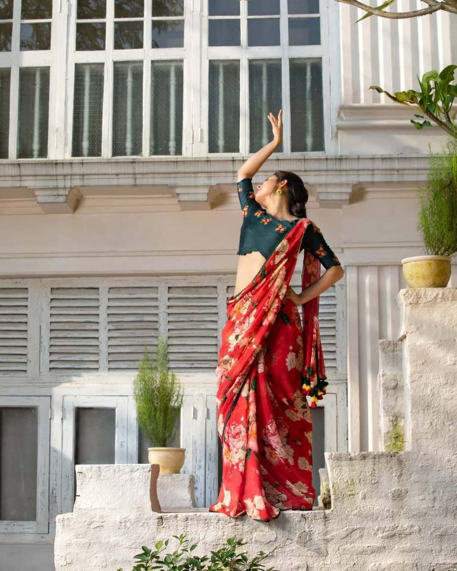 floral rush red saree with green blouse-Sayanti Ghosh-2