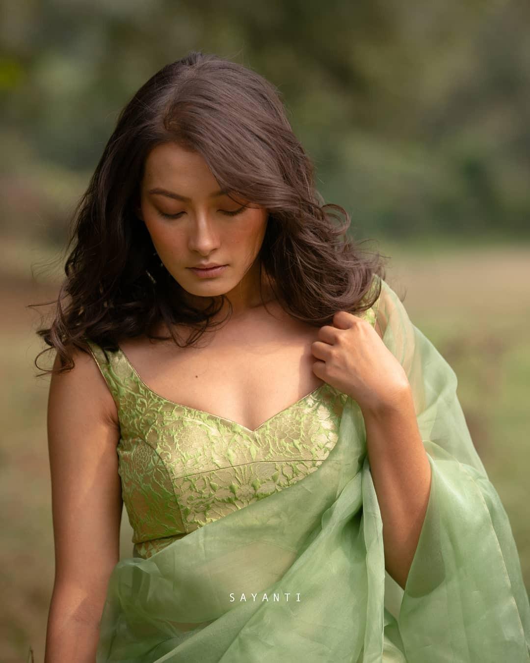 green brocade blouse-sayanti Ghosh-1