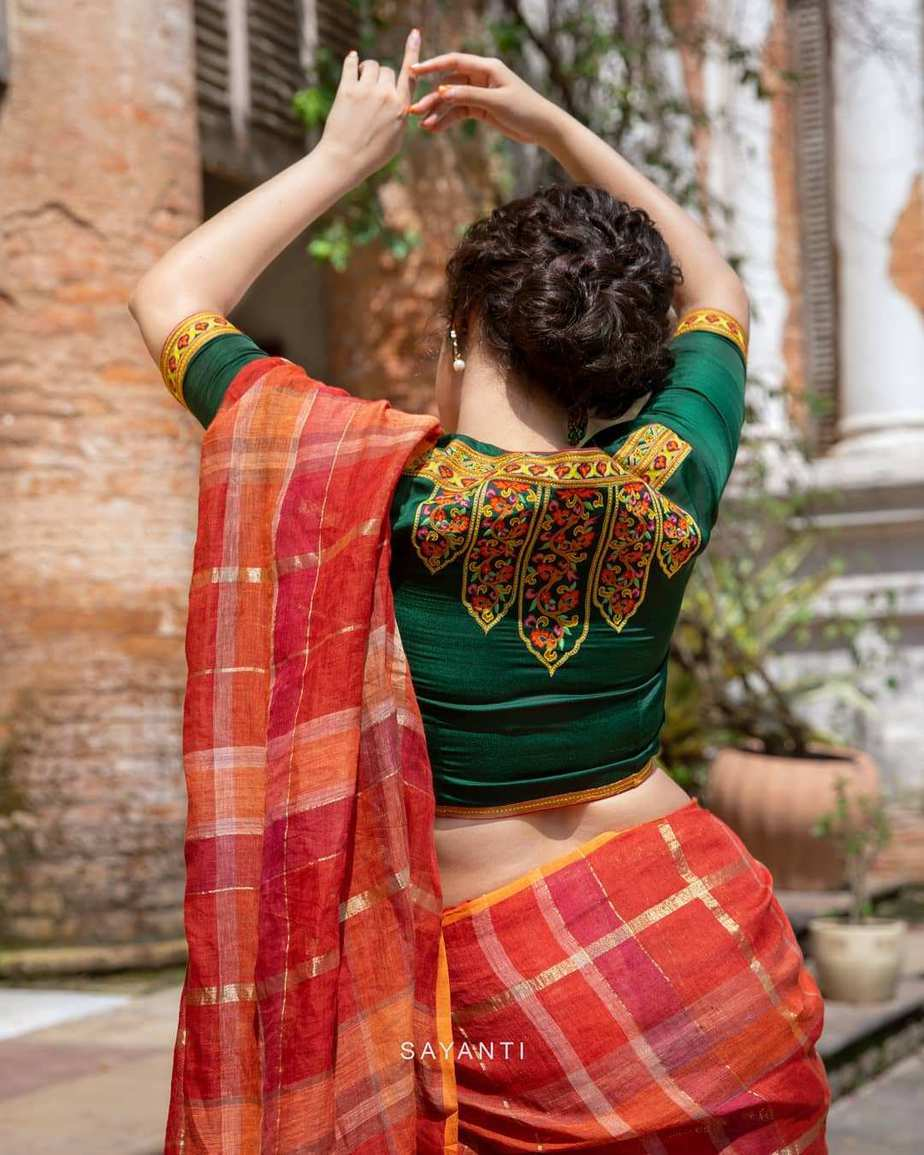 hand embroidered blouse- Sayanti Ghosh-1