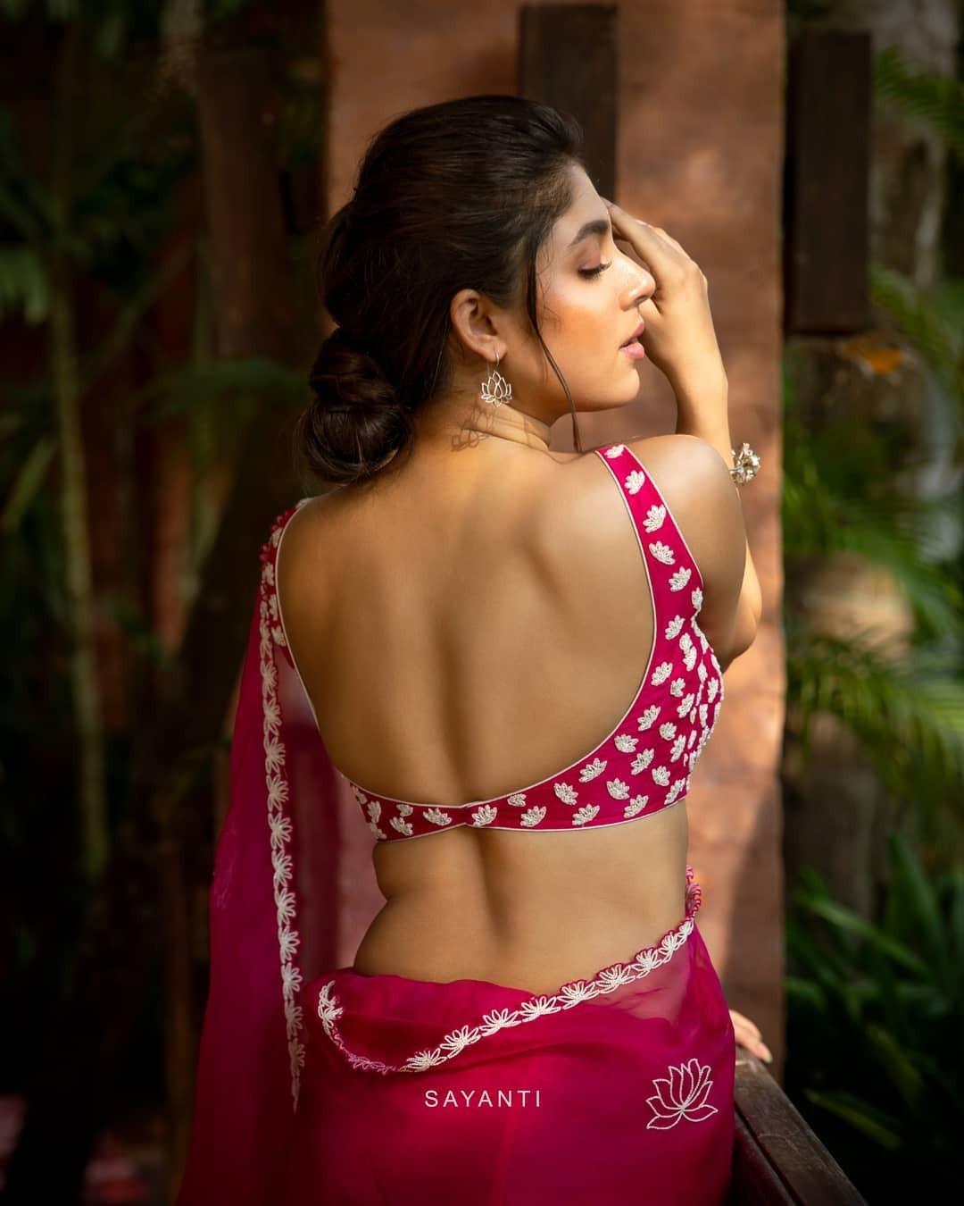 lotus motif pink saree by Sayanti ghosh -1