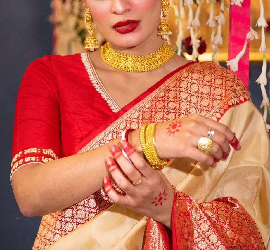 red topor mukut blouse-Sayanti Ghosh-1