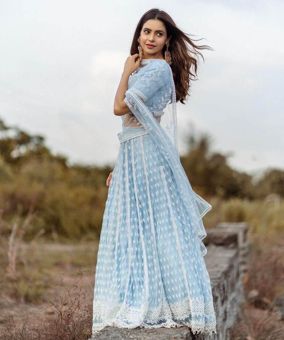 Aamna sharif in a mulmul light blue lehenga