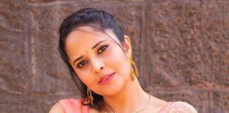 Anasuya Bharadwaj in peach saree by vaasavi label for jabardasth-1