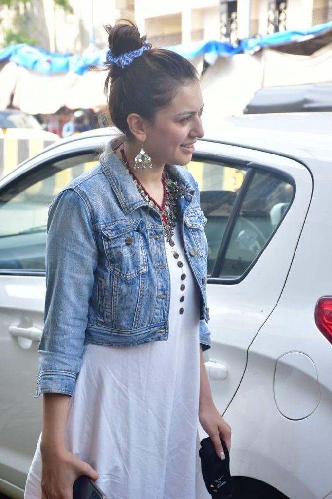 Hansika Motwani in white maxi dress-4