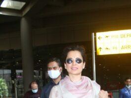 Kangana Ranaut in floral kurta set at Mumbai airport-3