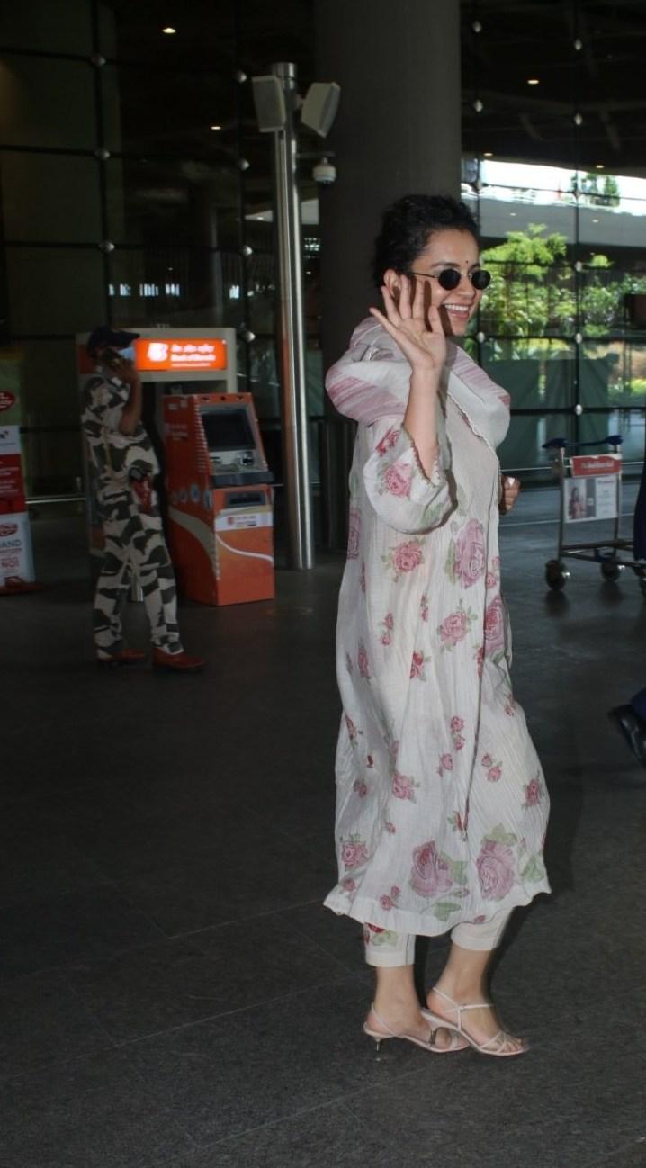 Kangana Ranaut in floral kurta set at Mumbai airport