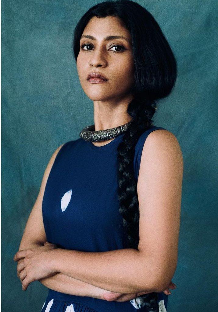 Konkona Sen Sharma in a dress by kharkapas for ajeeb dastans promotions-4