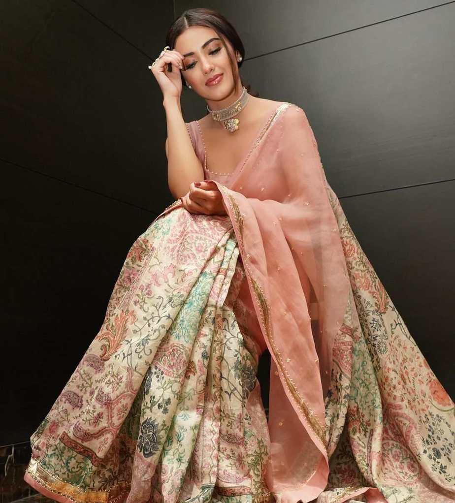 Malavika Sharma in pastel saree by Deepthee-1