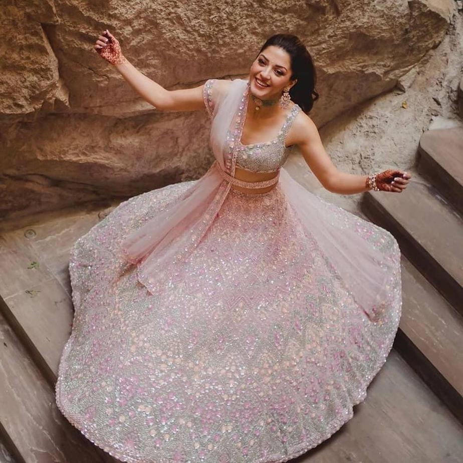 Mehreen pirzada in seema gujral for her post engagement shoot-1