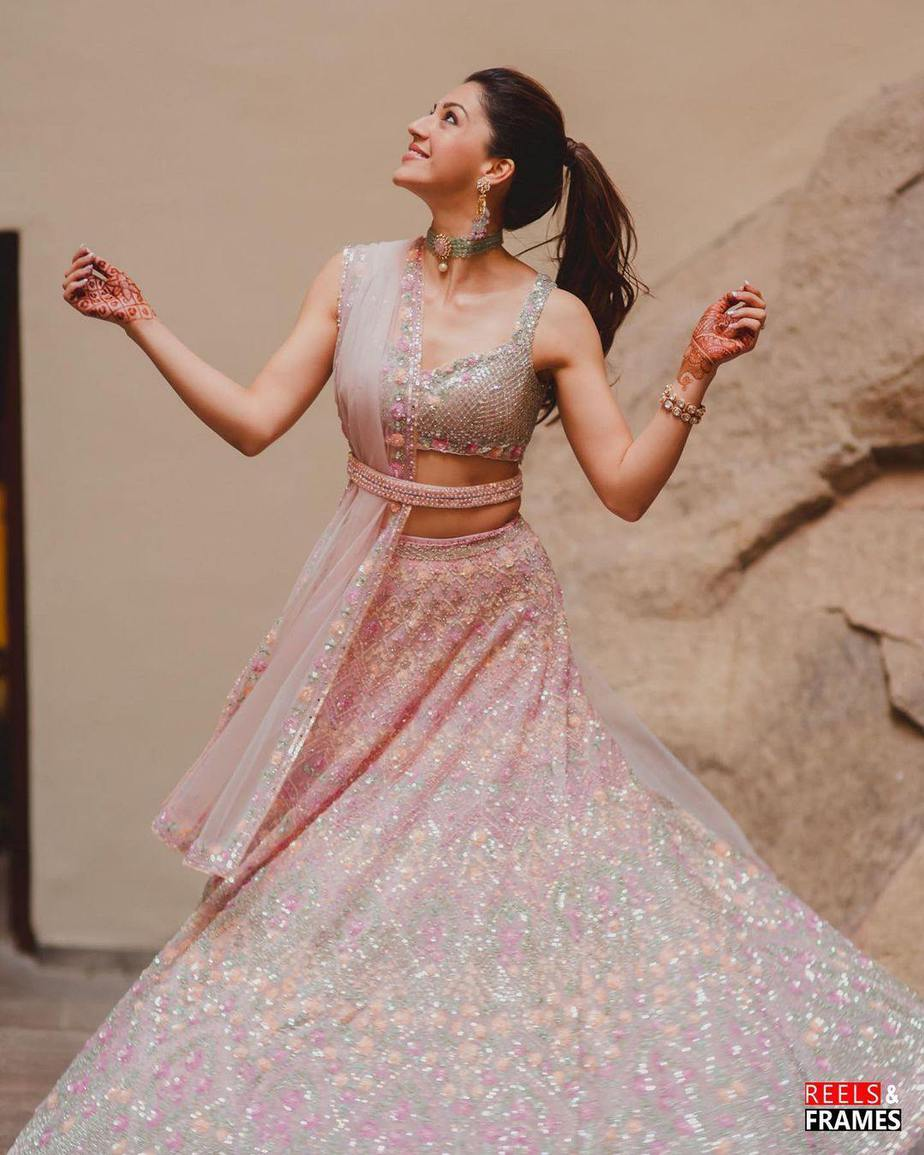 Mehreen pirzada in seema gujral for her post engagement shoot3.1