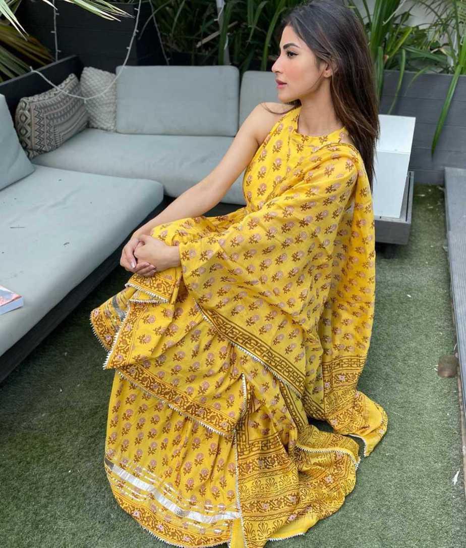 Mouni Roy in yellow sharara set by Aachho-2