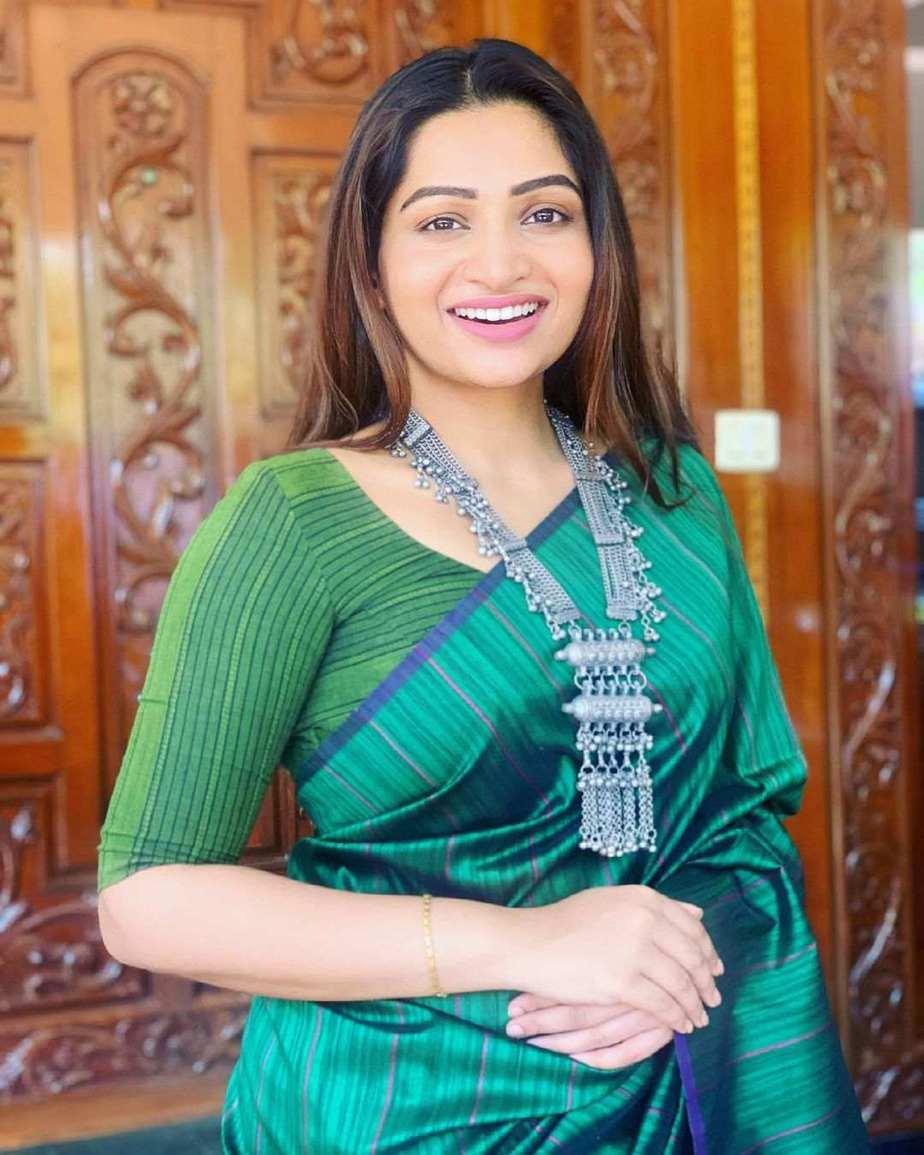 Nakshathra Nagesh in green saree by Shain-2