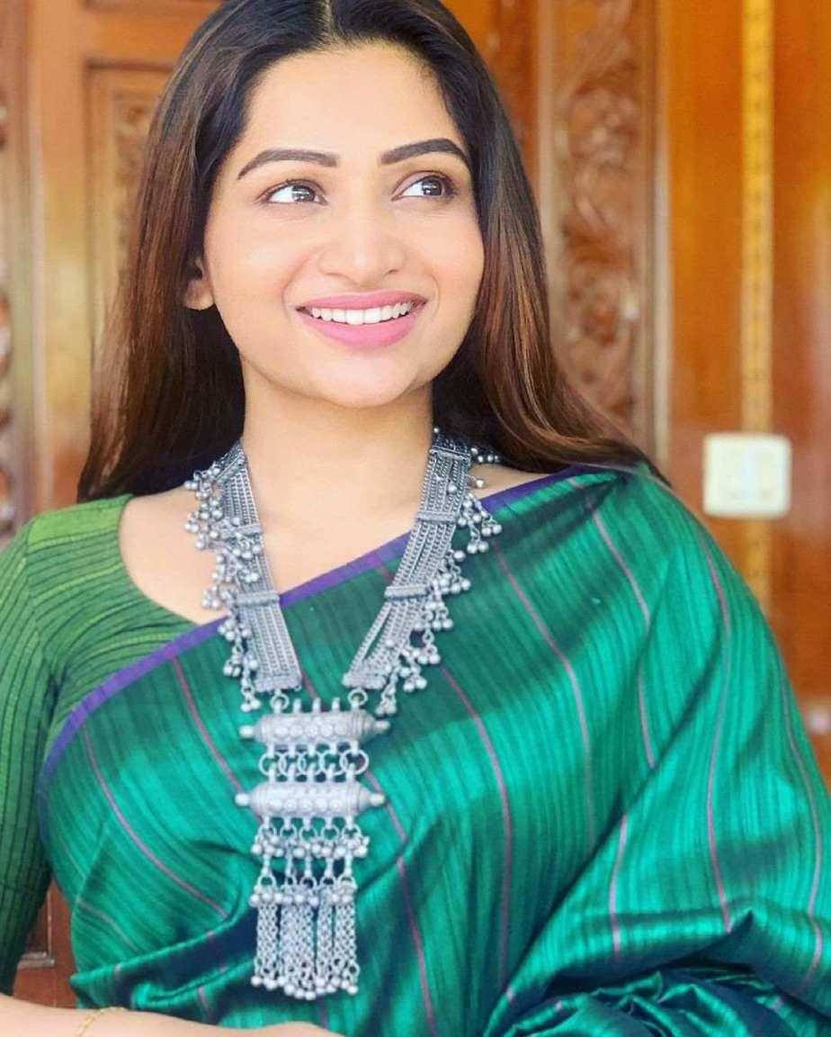 Nakshathra Nagesh in green saree by Shain-3