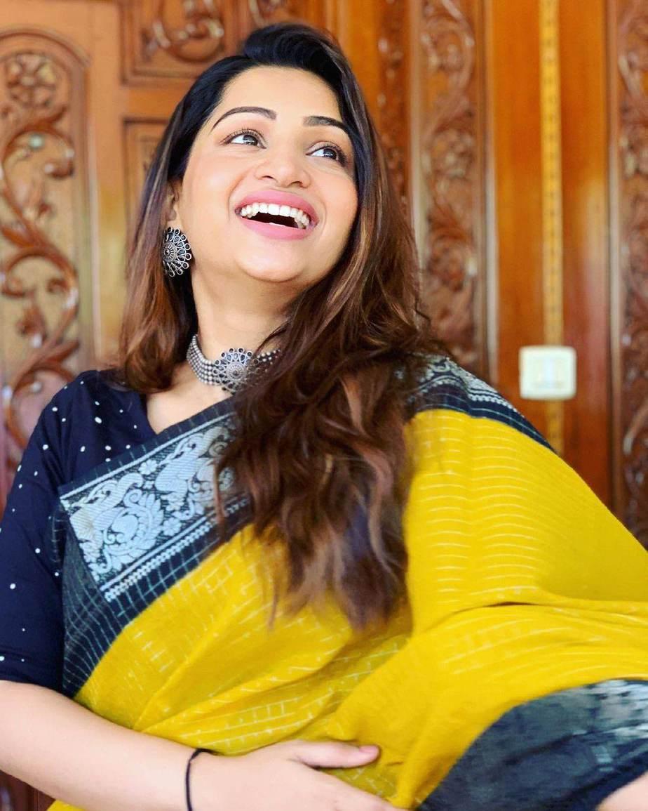 Nakshathra Nagesh in yellow saree by aishwaryam textiles-4
