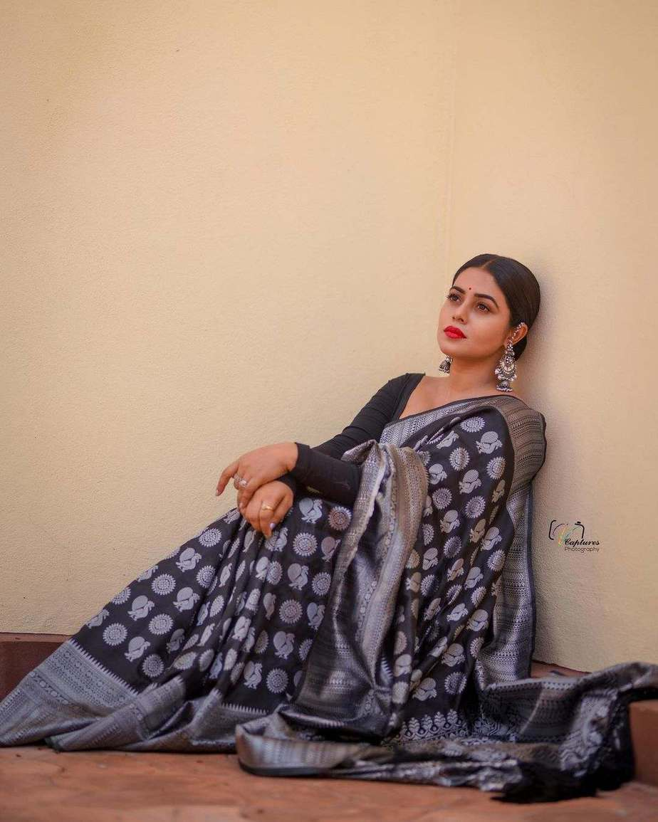 Poorna in black saree by dithya sai fashions for dhee kings-2
