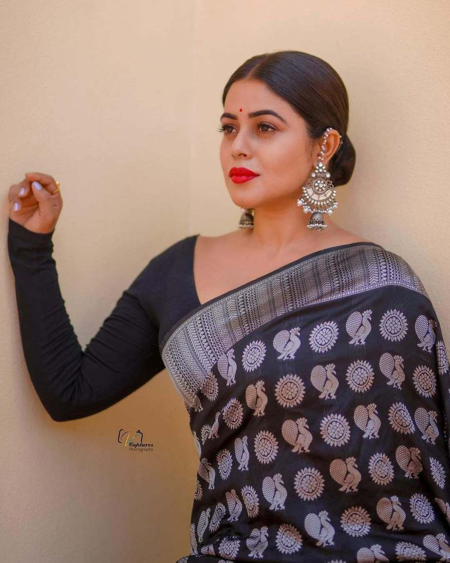 Poorna in black saree by dithya sai fashions for dhee kings-3