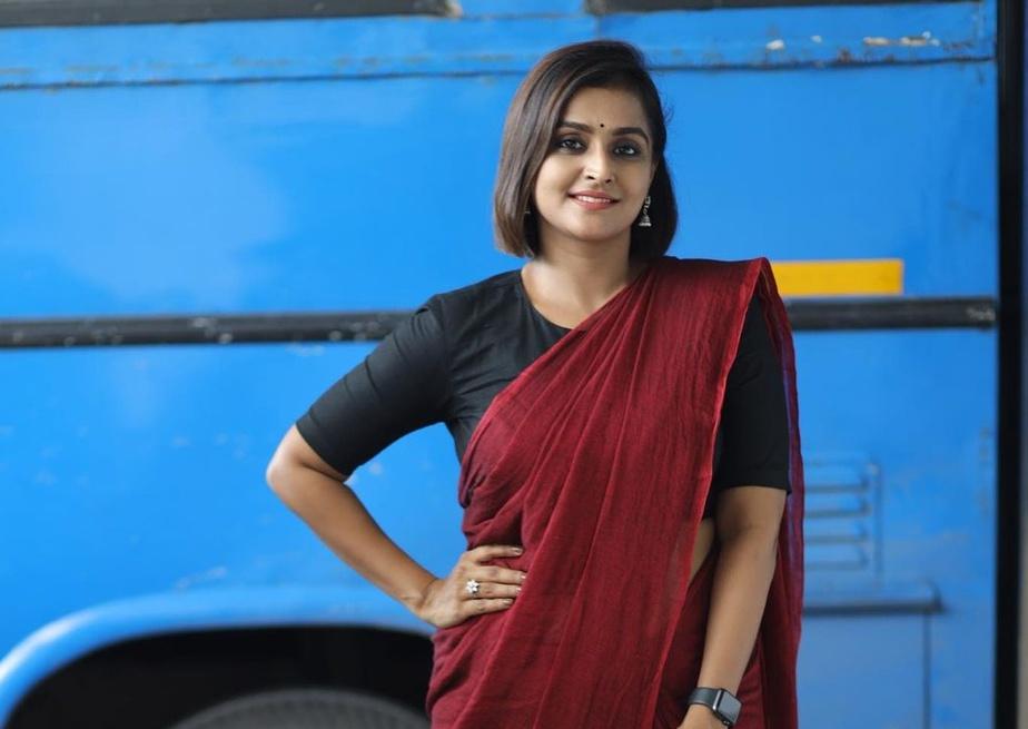 Ramya Nambessan in maroon saree and black blouse-3
