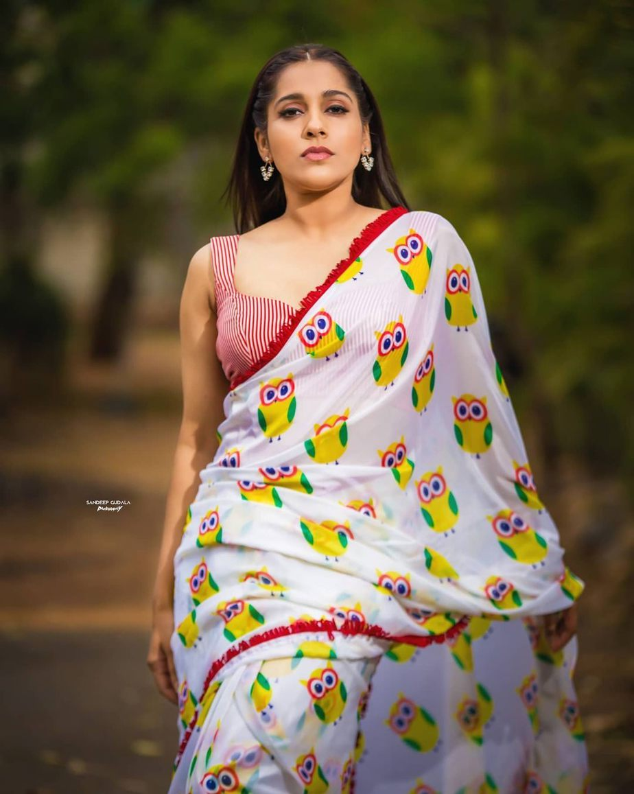 Rashmi Gautam in owl print saree by shrutii clothing -3