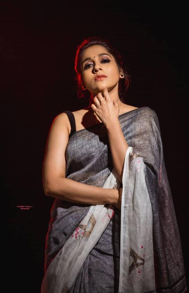 Rashmi Gautam in the linen store saree for dhee kings-4
