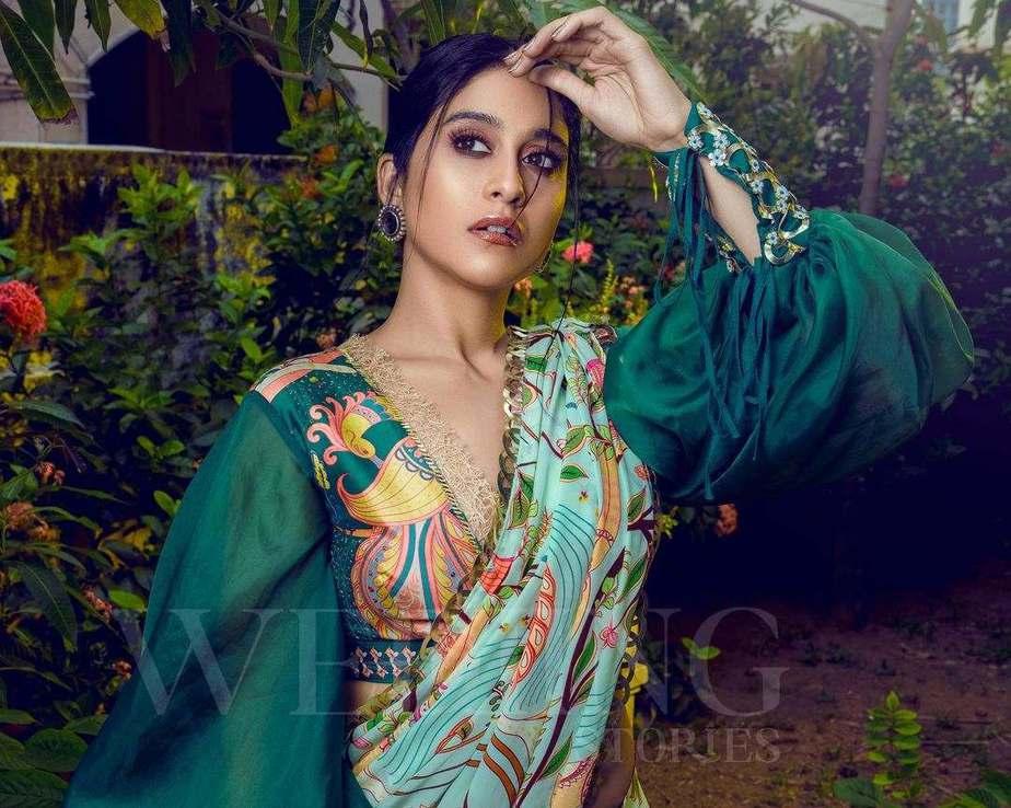 Regina cassandra in pastel green saree by limerick for wedding magazine-3