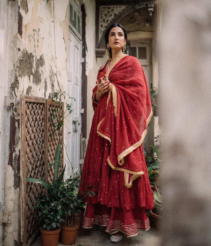 Sonal Chauhan in red anarkali by Drzya-1