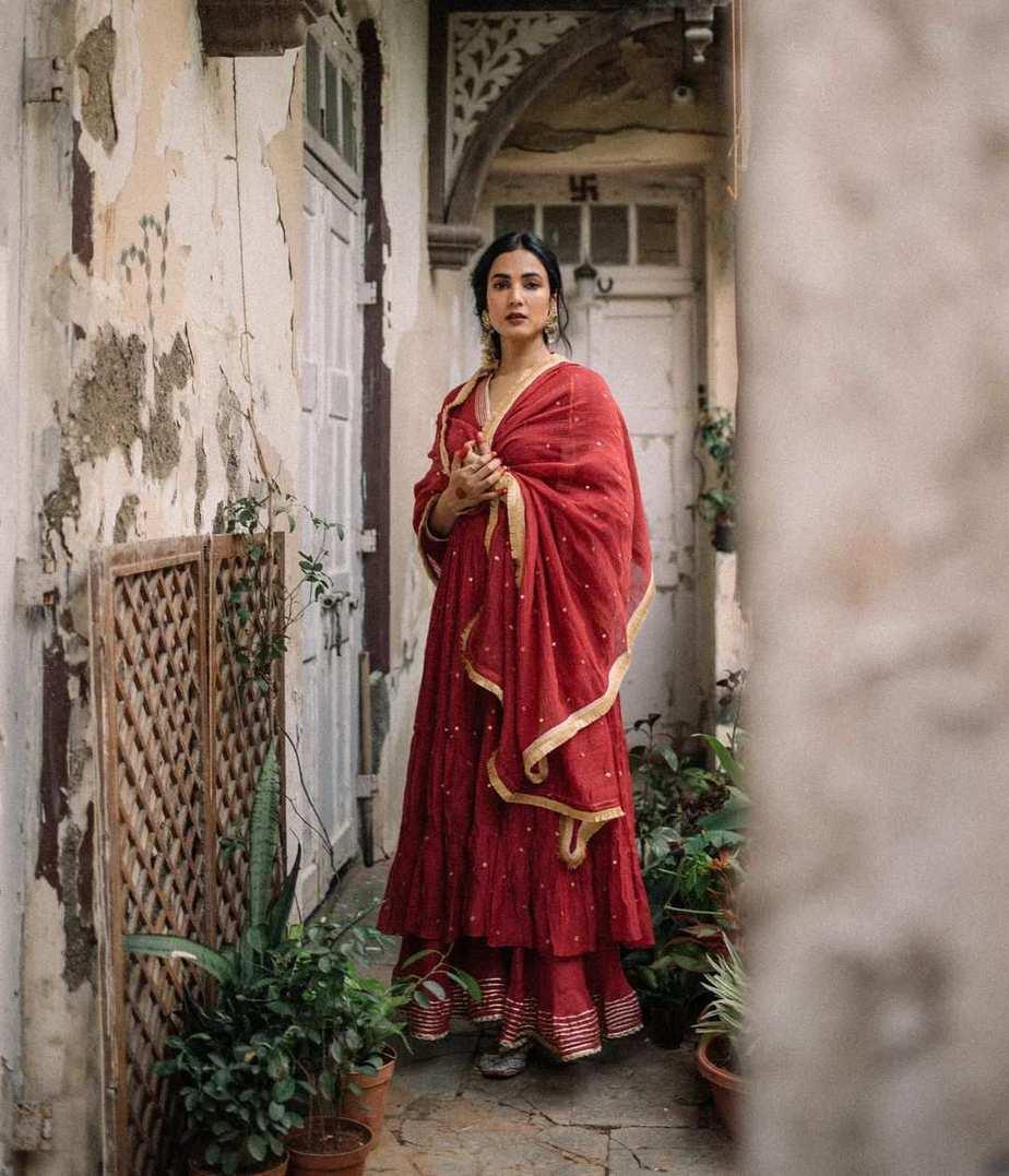 Sonal Chauhan in red anarkali by Drzya-2
