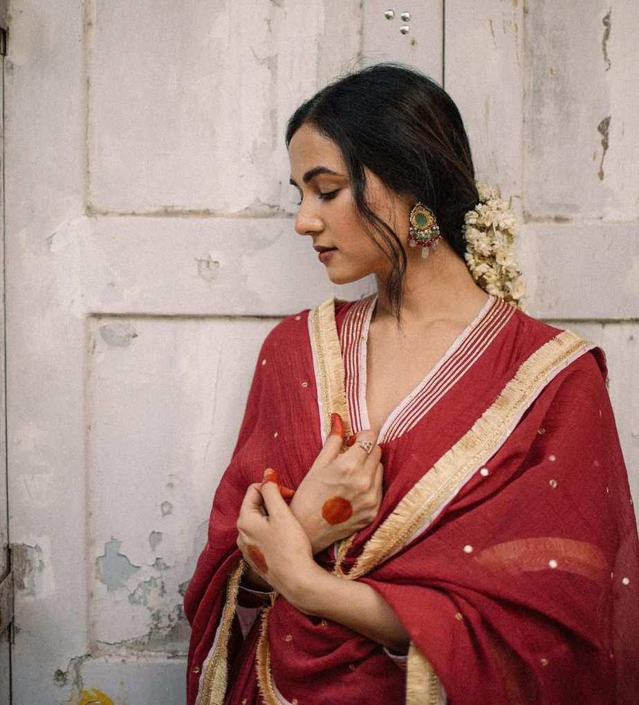 Sonal Chauhan in red anarkali by Drzya-3