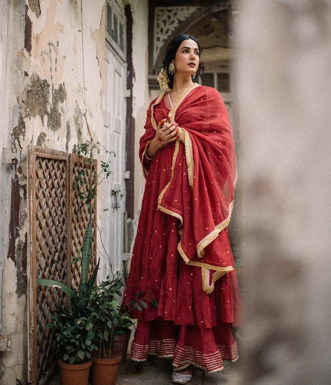 Sonal Chauhan in red anarkali by Drzya