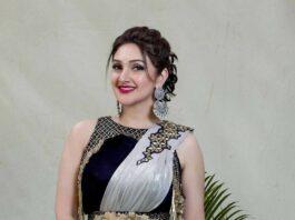 Sridevi Vijaykumar in gold saree for comedy stars-2