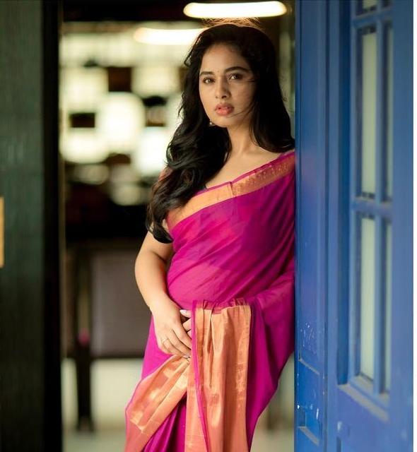 Srushti Dange in a pink saree by Unnati silks-4