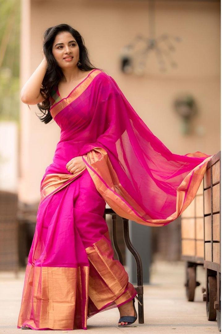 Srushti Dange in a pink saree by Unnati silks
