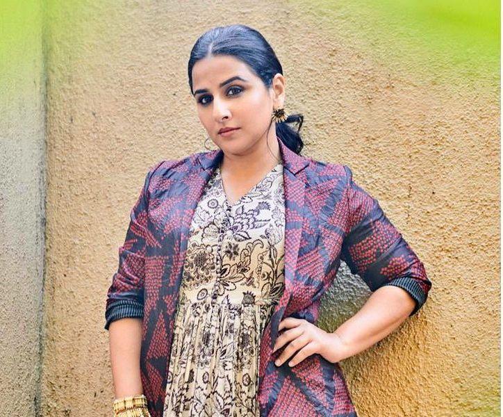 Vidya Balan in label anushree maxi dress for sherni promotions-3