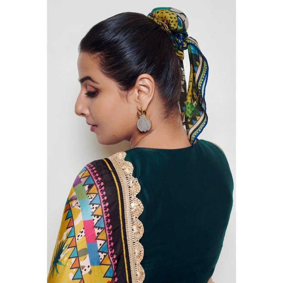 Vidya Balan in yellow saree by devyani Mehrotra for shernbi promotions-4