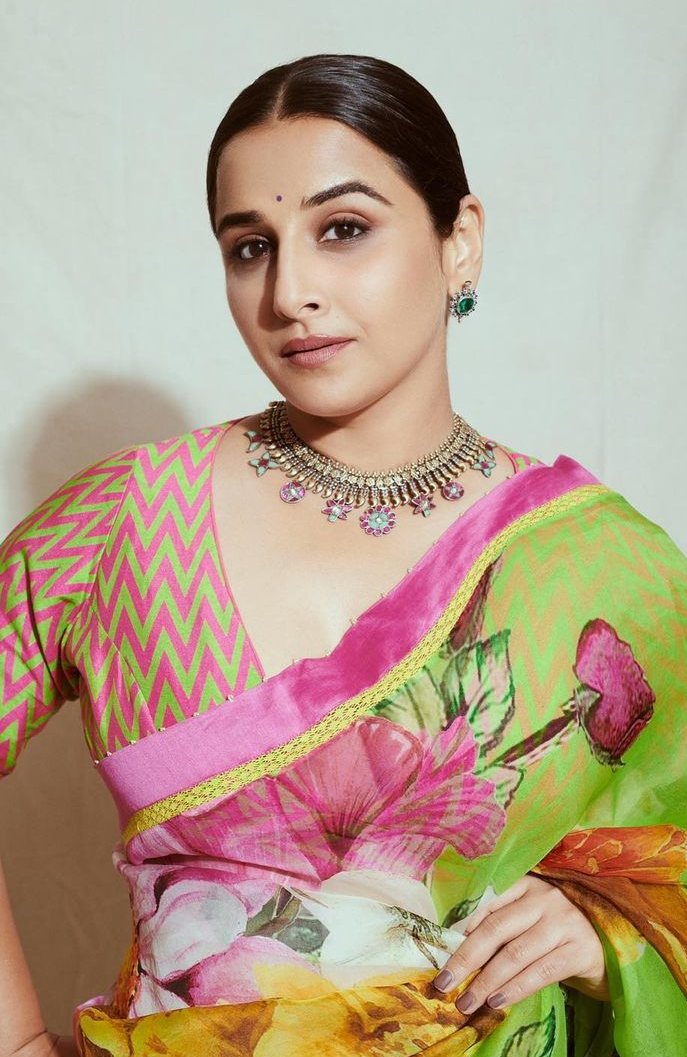 Vidya balan in a floral Torani saree for sherni promotions-3