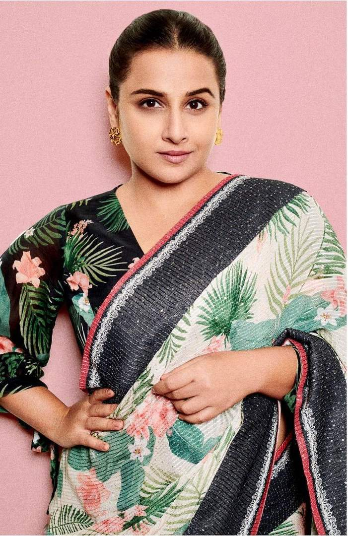 Vidya balan in a off white saree by Soup for sherni promotions!