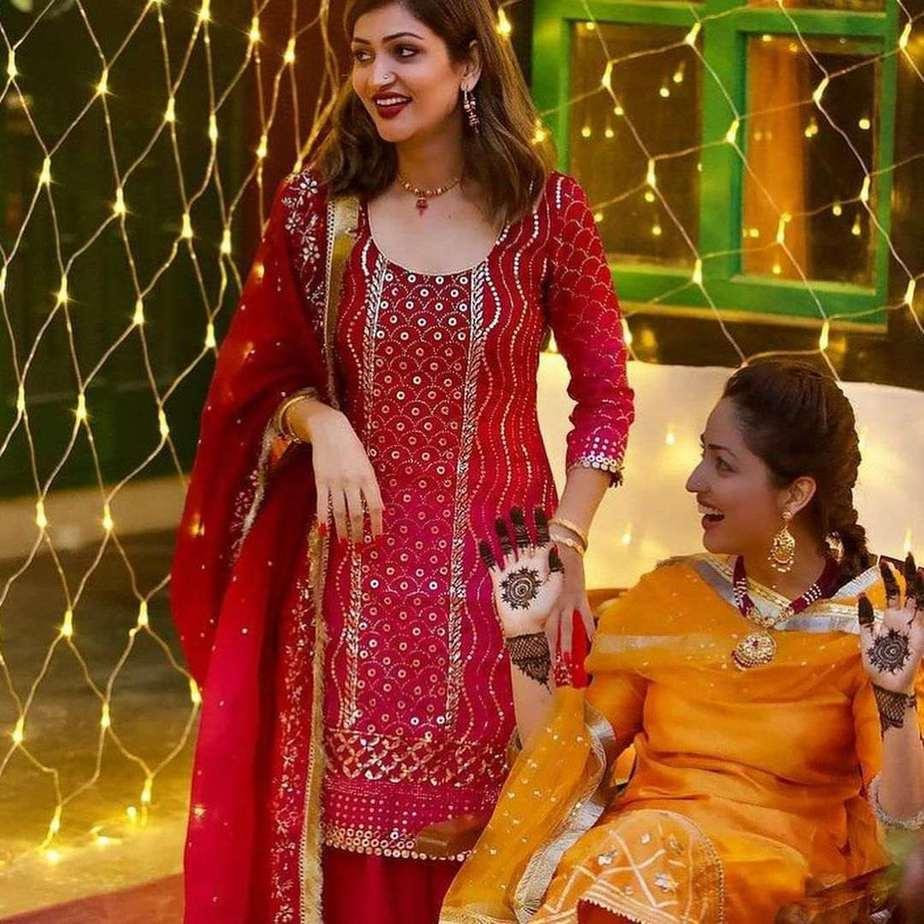 Yami Gautam in an orange kurta set for her mehendi-5