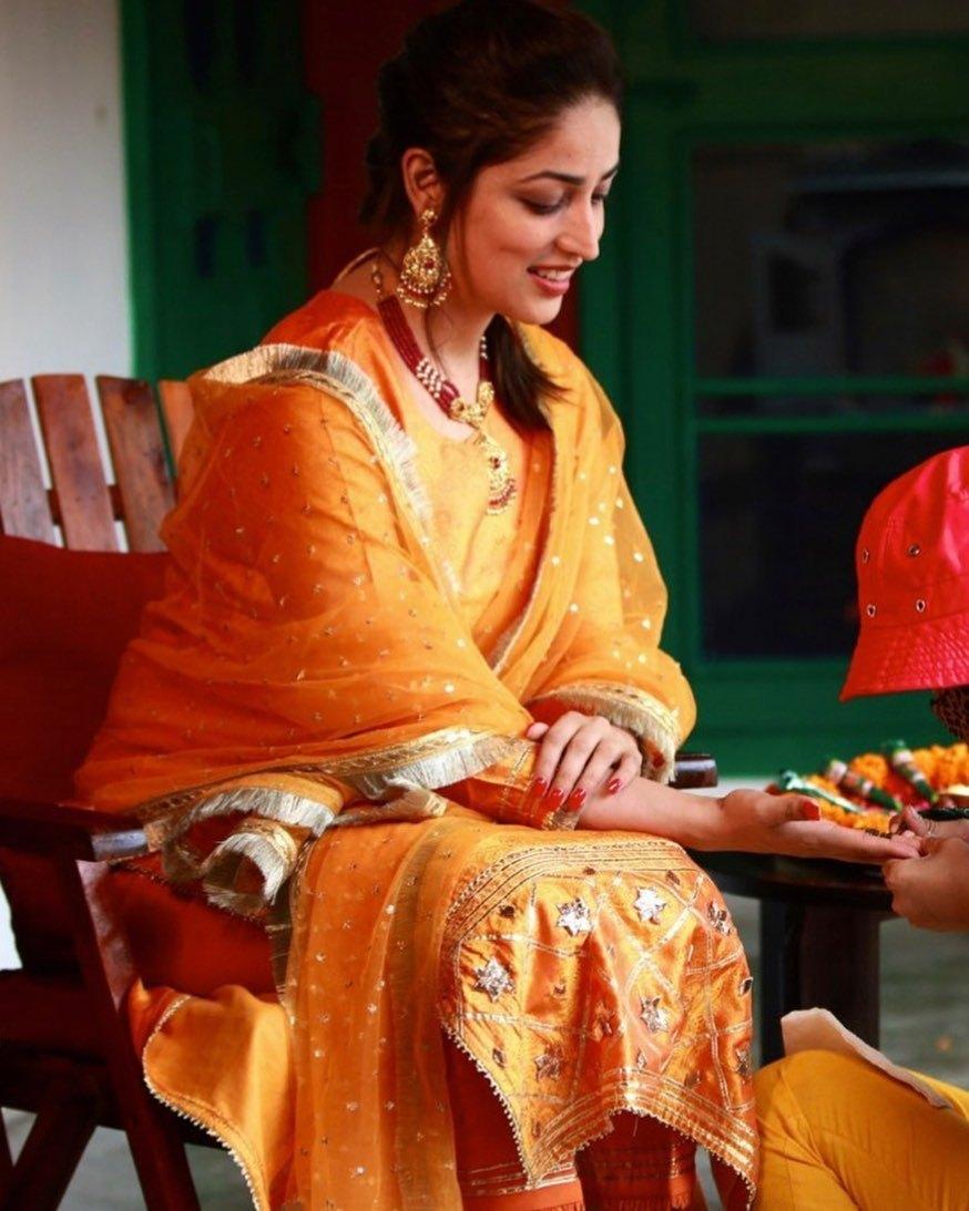 Yami Gautam in an orange kurta set for her mehendi-6
